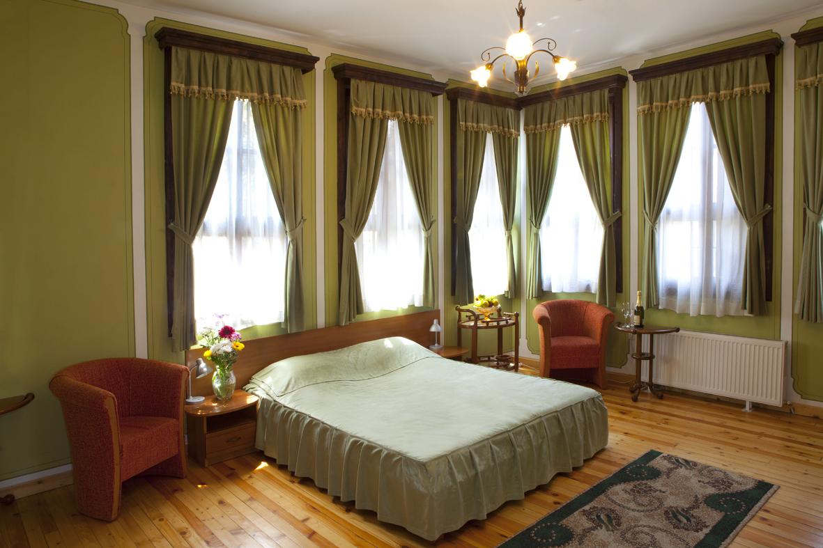 1green room